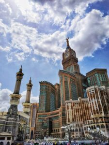 history of mecca holy land for muslims
